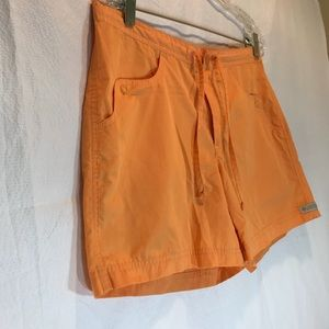 Columbia Shorts with Snap Side & Back pockets   S